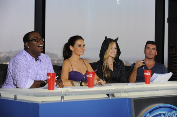 Randy Jackson, Kara DioGuardi, Avril Lavigne and Simon Cowell Photo