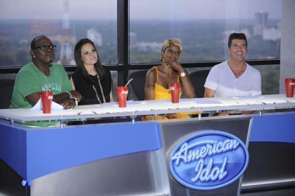 Randy Jackson, Kara DioGuardi, Mary J. Blige and Simon Cowell  Photo