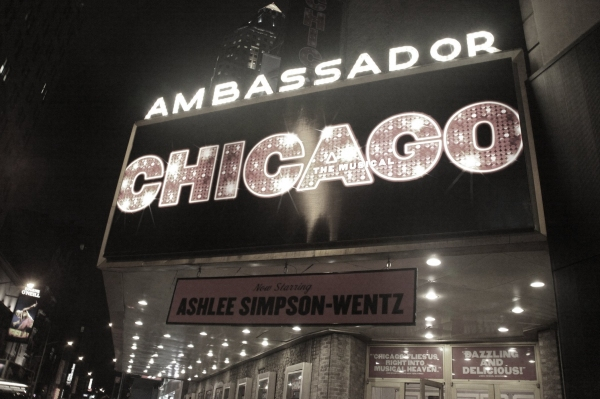 Photo Coverage: Ashlee Simpson-Wentz Debuts in CHICAGO!