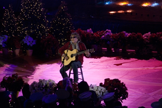 Jose Feliciano at 2009 Rockefeller Christmas Tree Lighting!