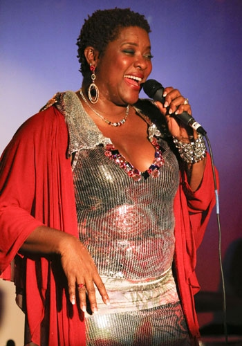 Photo Flash: Grey's Anatomy Star Loretta Devine Sells Out at Upright Cabaret