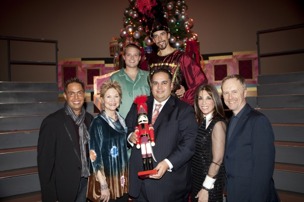 Chris Verdugo (Producer), Dee Wallace, John Perez, Kate Linder, and Hywel Sims (Executive Director) Back Row: Lee Pitts and Andrew Thomas