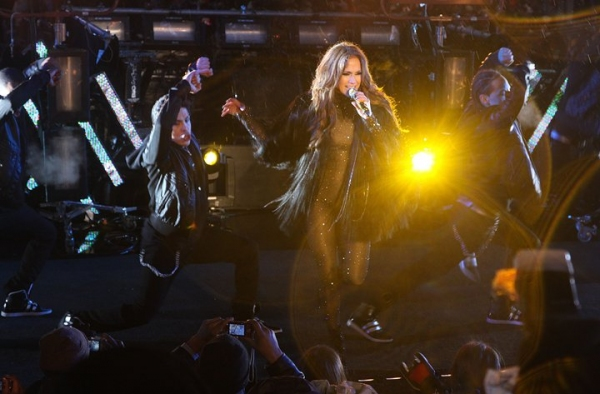 Photo Coverage: HAIR Cast & More Perform at New Year's Eve in NYC!