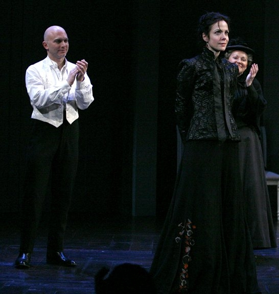 Mary Louise Parker, Michael Ceveris during the Curtain Call for the Opening Night performance of the Roundabout Theatre Company's production of HEDDA GABLER at Photos: 2009 Curtain Call Flashback
