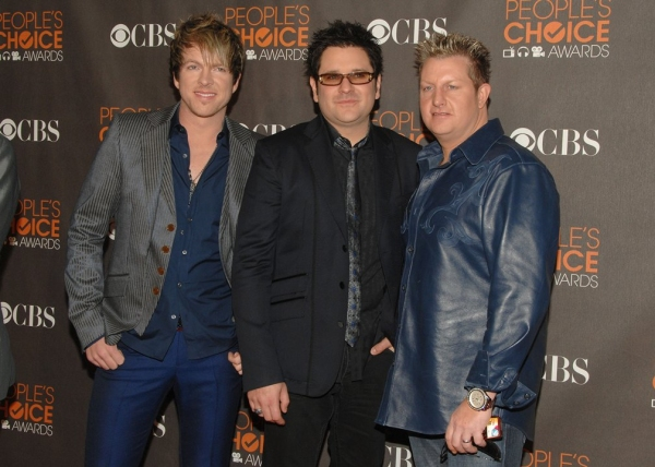 Rascal Flatts  at People's Choice Awards - Red Carpet Arrivals