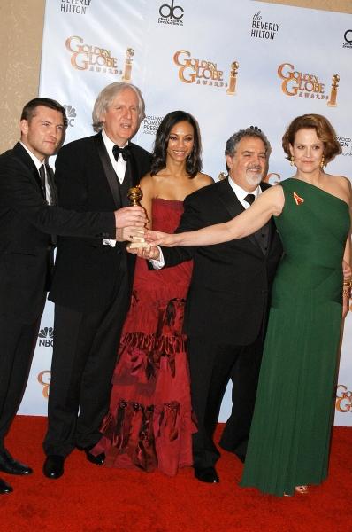 Sam Worthington, Director James Cameron, actress Zoe Saldana, producer Jon Landau and actress Sigourney Weaver