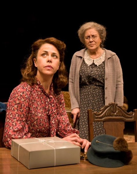 Photo Flash: Production Photos of the Old Globe's LOST IN YONKERS Starring Judy Kaye