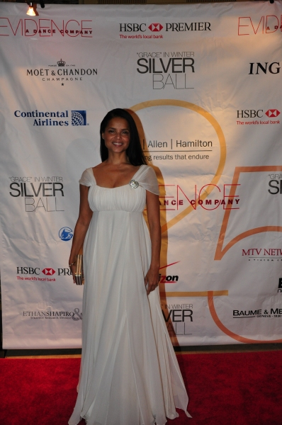 Host Victoria Rowell