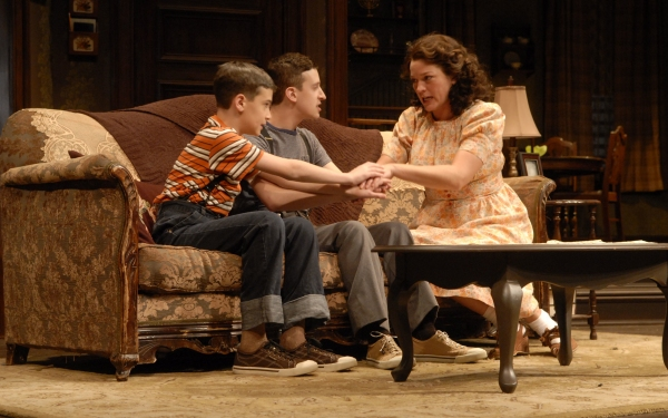 Photos: Production Photos of Paper Mills' LOST IN YONKERS