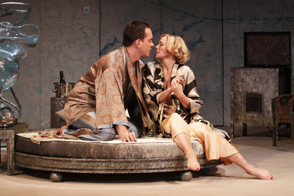 Photo Flash: Cattrall And Macfadyen Star In PRIVATE LIVES