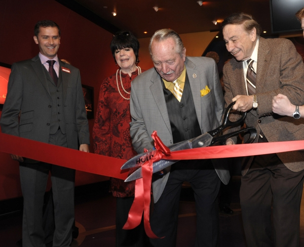 Photo Flash: Awards Room Unveiled At Madame Tussauds