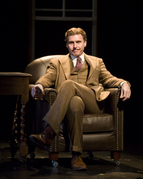 Ted Deasy as Richard Hannay