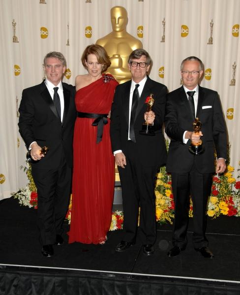 Sigourney Weaver with Rick Carter, Robert Stromberg, Kim Sinclair