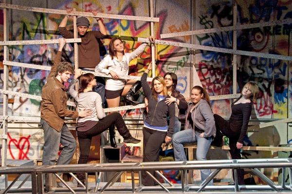T.J. Walton, Rachel Rocco, Alejandro Hernandez (back), Jessica Stanley, Nicole Patrick, Veronica Furman, Kim Konczos and Stephanie Moon