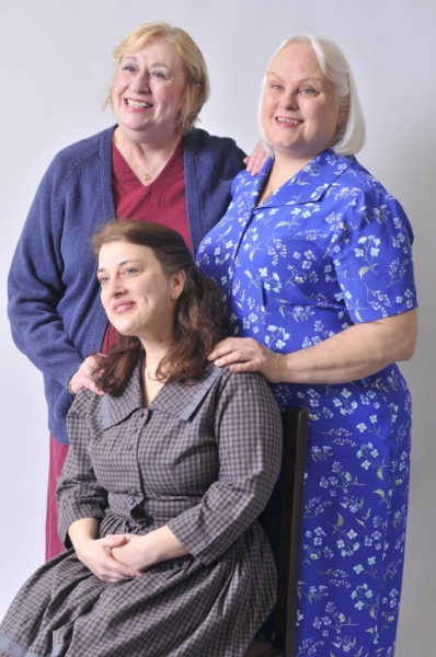 Jennifer Underwood as Grace Anne(left), Kathy Rose Center as Cornelia (right), and Anne Hulsman as Sissie