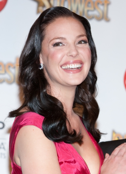 Katherine Heigl  at Photos: ShoWest Special - Heigl, Hudgens, Seyfried & More Honored at Awards Banquet