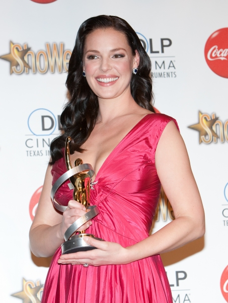Photos: ShoWest Special - Heigl, Hudgens, Seyfried & More Honored at Awards Banquet
