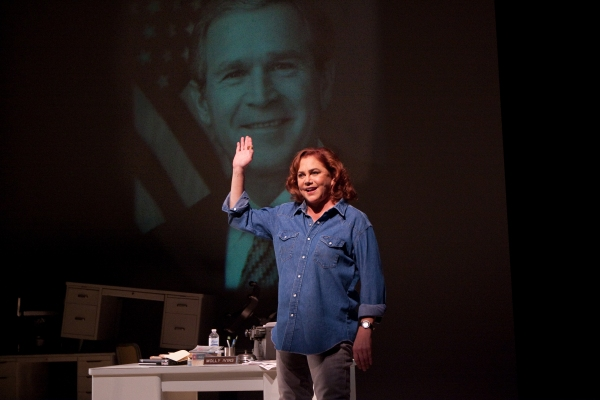 Photo Flash: Philadelphia Theatre Co Presents Kathleen Turner In RED HOT PATRIOT