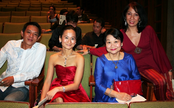 Photo Coverage:  SWEENEY TODD Manila Sweeps Acting Trophies at 2009 Philstage Awards