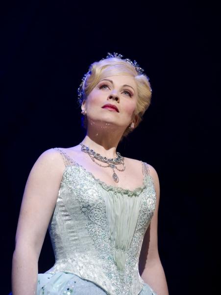 Louise Dearman (Glinda)