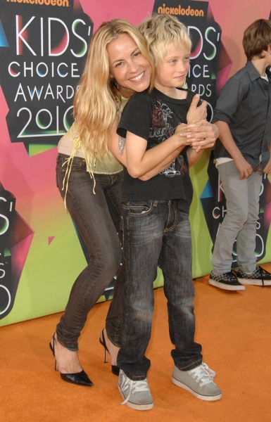 Maria Bello and Son at Nickelodeon's Kids' Choice Awards!