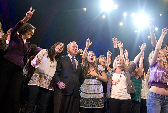 Photo Coverage: Mayor Bloomberg Takes in HAIR