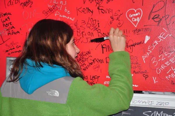 Photo Coverage: Signing Wall at AMERICAN IDIOT and Michael Mayer!