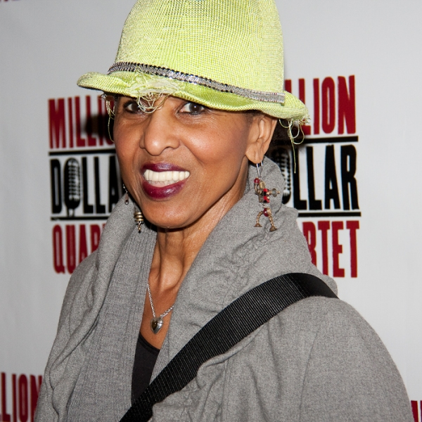Nona Hendryx at MILLION DOLLAR QUARTET Performance Arrivals!