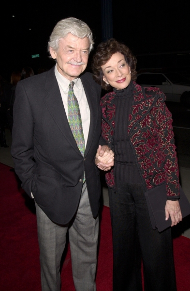 HAL HOLBROOK & wife DIXIE CARTER at the Los Angeles premiere of his new movie Men of Honor. 01NOV2000. © Paul Smith / Featureflash
