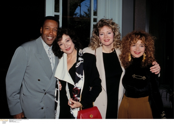 Meshach Taylor, Dixie Carter, Jean Smart and Annie Potts ( DESIGNING WOMEN ) Attending the NATPE TV Convention in New Orleans. January 14, 1991 © Walter McBride / Retna Ltd.