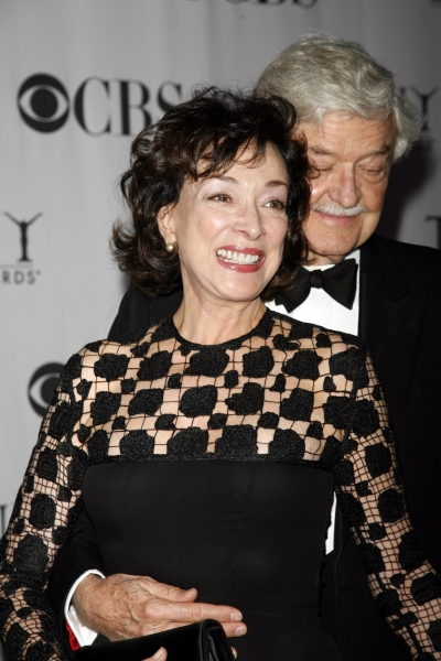 Dixie Carter & husband Hal Holbrook arriving to the 60th Annual Tony Awards held at Radio City Music Hall in New York City. June 11, 2006. © Walter McBride / Retna Ltd.