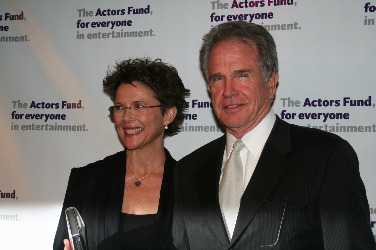 High Res Annette Bening and Warren Beaty