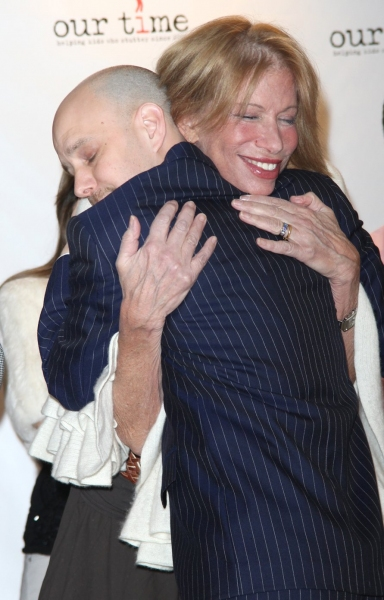 Taro Alexander (Artistic Director) & Carly Simon at Our Time - Backstage