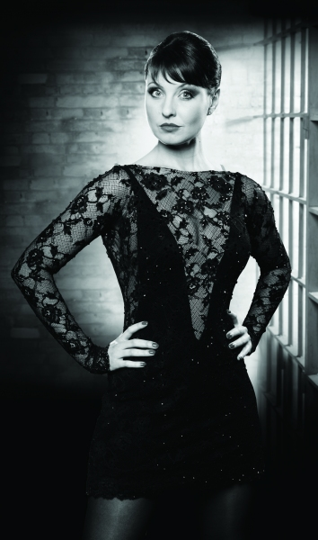 Photo Preview: Emma Barton As Roxie Hart In CHICAGO