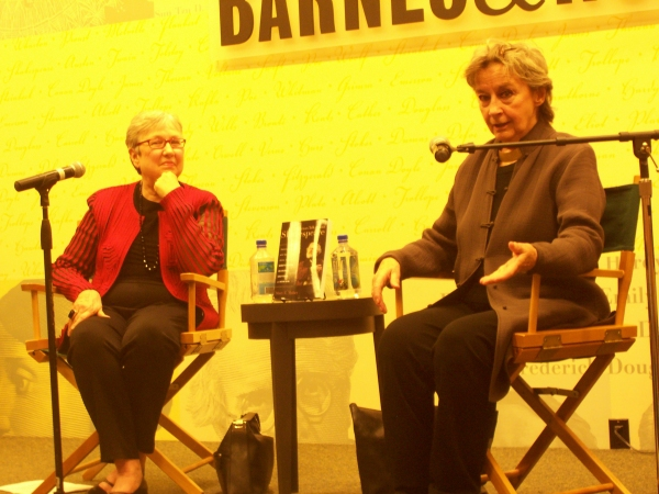 Photo Flash: Zoe Caldwell and Mary Maher Talk Shakespeare at Barnes and Noble