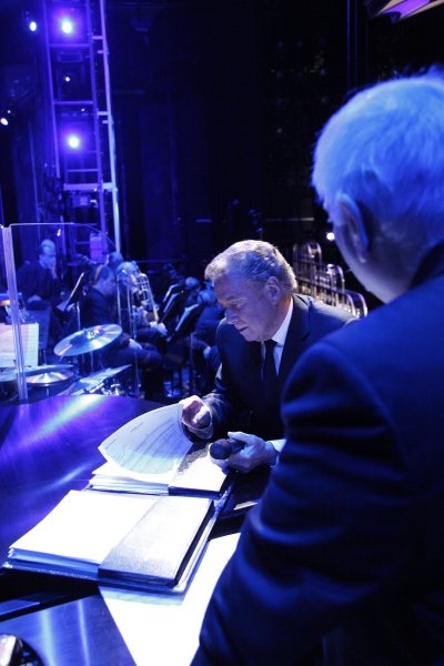 Photo Flash: Regis Performs with Cast of COME FLY AWAY