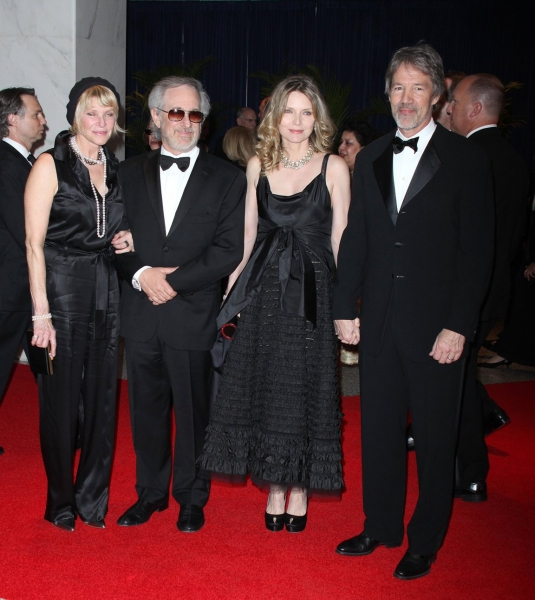 Kate Capshaw, Steven Spielberg, Michelle Pfeiffer & David E. Kelley at 2010 White House Correspondent's Dinner N - Z