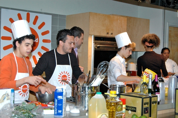 David Alvarez, Fabio Viviani, Ryan Scott, Kiril Kulish, Carla Hall