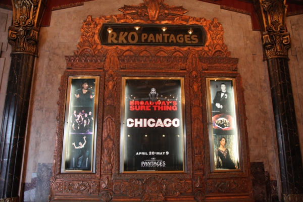 Photo Flash: Hollywood Elite Hit The Red Carpet For CHICAGO at Pantages Theatre