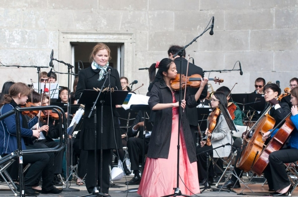 Photo Flash: Mother's Day Concert Held in Central Park