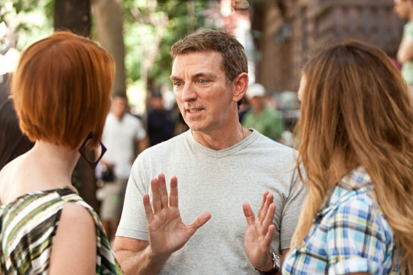 Cynthia Nixon, Michael Patrick King and Sarah Jessica Parker at New 'Sex and The City 2' Production Shots Released!