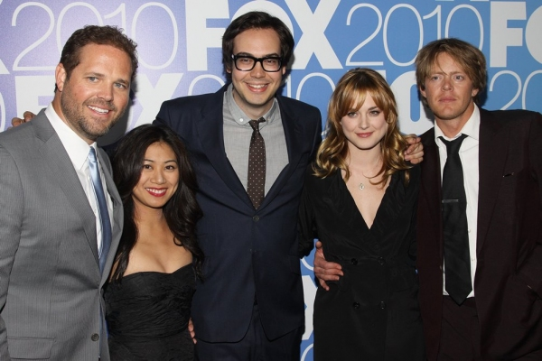 David Denman, Liza Lapira, Nelson Franklin, Alexandra Breckenridge and Kris Marshall (Mixed Signals)