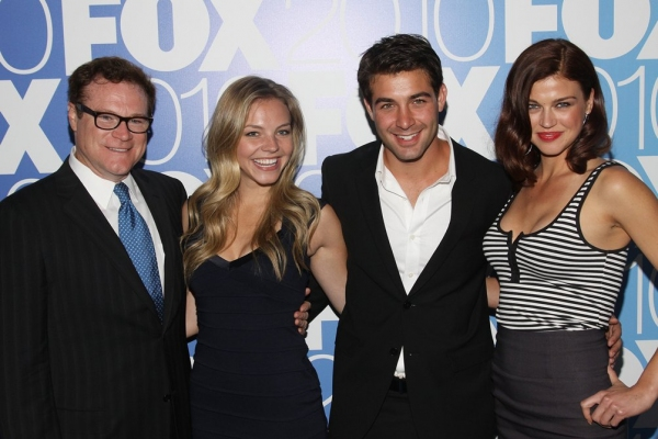 David Keith, Eloise Mumford, James Wolk and Adrianne Palicki (Lonestar)