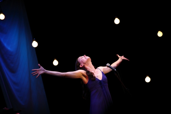 Photo Flash: Sutton Foster At The Civic Center In Des Moines