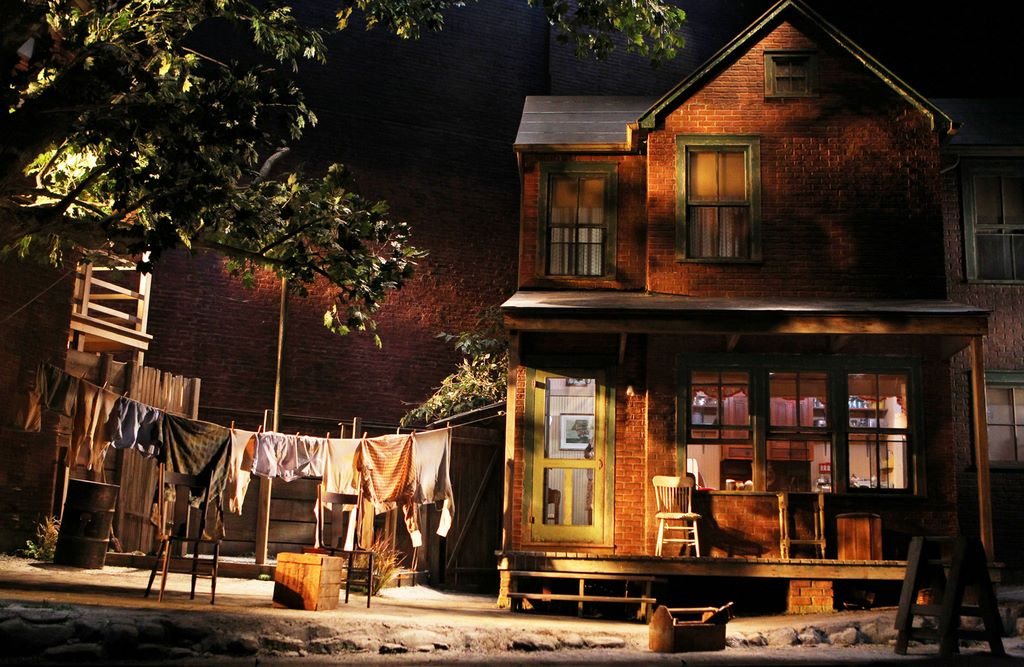 the different types of fences in fences a play by august wilson Because of the different set ups  explaining the play  full text of august wilson fences  a dictionary & photographs of types of paint fences by august.