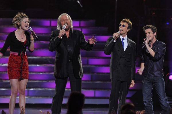 American Idol finalists Siobhan Magnus and Aaron Kelly and the Bee Gees at American Idol Finale On Stage!
