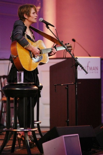 Shawn Colvin Performs at Kaufman Center 2010 Honors
