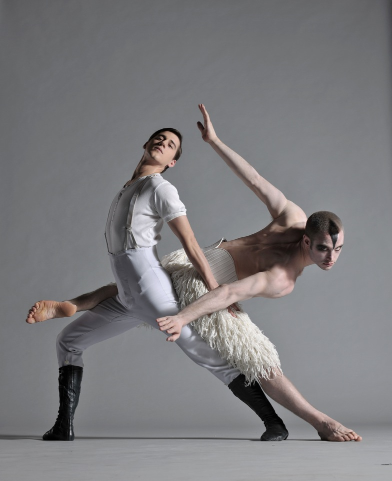 Bourne's SWAN LAKE Returns to New York @ NY City Center Oct. 13 - Nov. 17