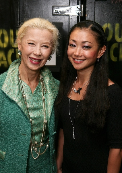 France Nuyen (L) (Liat in the film) and cast member Sumie Maeda Photo