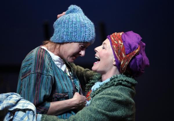 Niamh Cusack & Stella Gonet